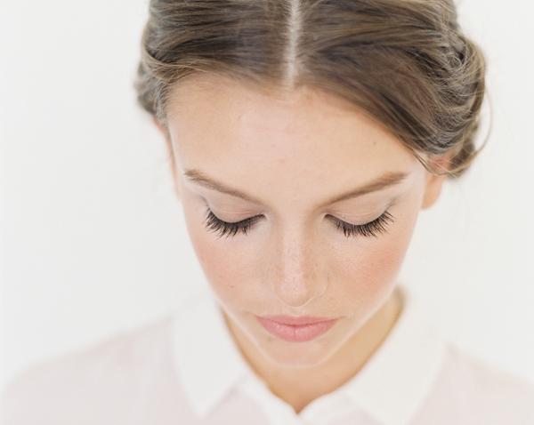 Yüz Hatlarını Vurgulamak İçin Nasıl Makyaj Yapılmalı?