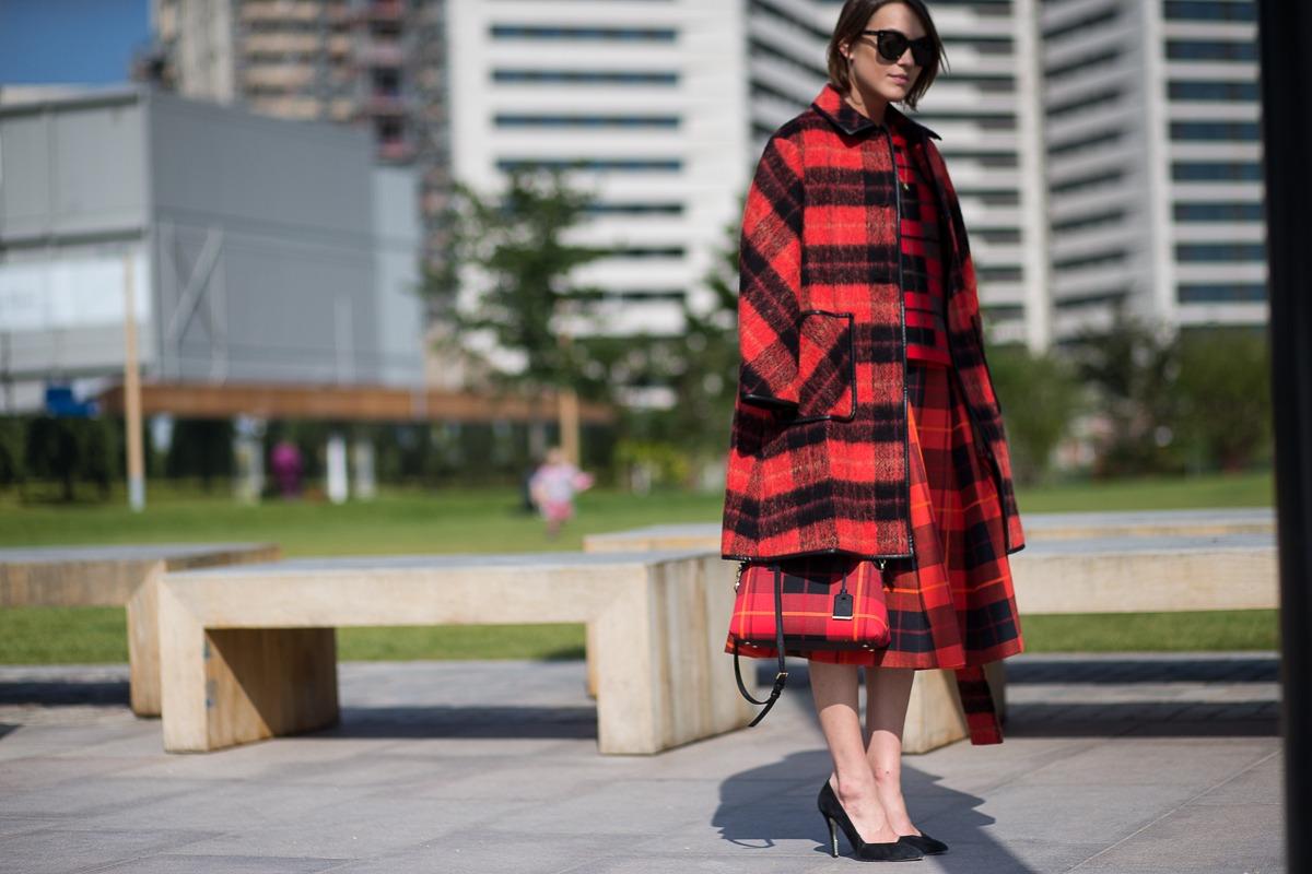 londra-sokak-stili-ilkbahar-yaz-londra-moda-haftasi-2016-londonss16day3-0589
