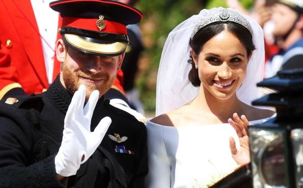 Yılın Düğünü Gerçekleşti! Merakla Beklenen Meghan Markle'ın Gelinliği